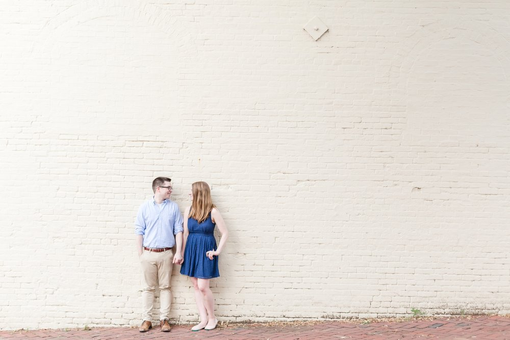 Lindy & Chris Engagement-165_virginia-engagement-photographer-old-town-alexandria-engagement-anna-grace-photography-photo.jpg