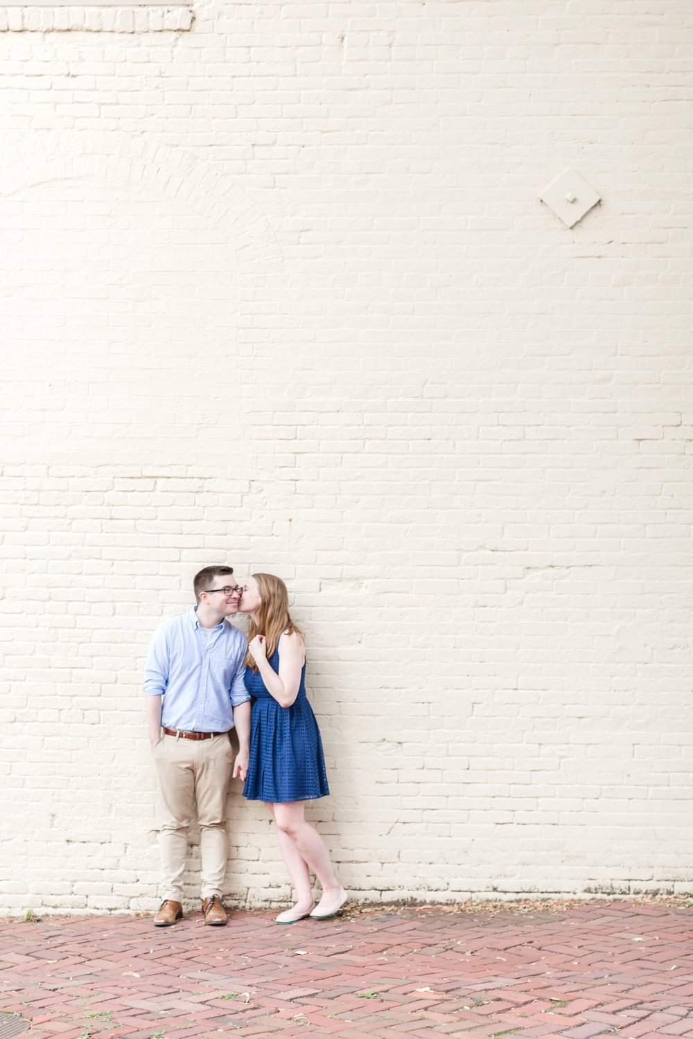 Lindy & Chris Engagement-167_virginia-engagement-photographer-old-town-alexandria-engagement-anna-grace-photography-photo.jpg