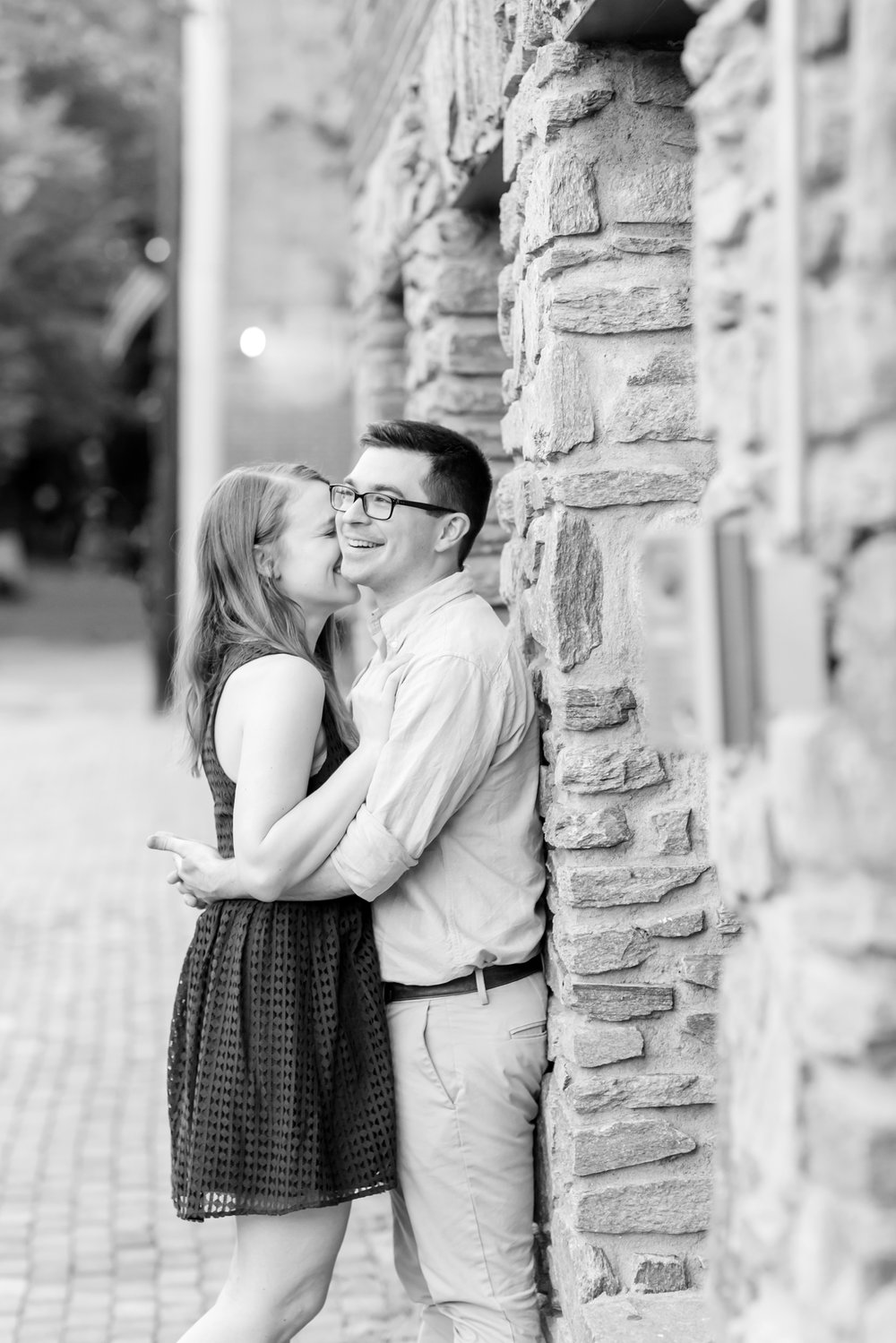 Lindy & Chris Engagement-176_virginia-engagement-photographer-old-town-alexandria-engagement-anna-grace-photography-photo.jpg