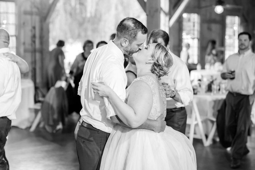 WINKLER WEDDING HIGHLIGHTS-415_pond-view-farm-wedding-maryland-wedding-photographer-anna-grace-photography-photo.jpg