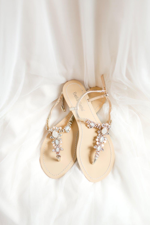 ADKINS WEDDING HIGHLIGHTS-44_The-Granary-wedding-Valley-Pike-Farm-Market-Virginia-wedding-photographer-anna-grace-photography-photo.jpg