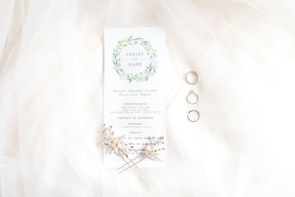 ADKINS WEDDING HIGHLIGHTS-49_The-Granary-wedding-Valley-Pike-Farm-Market-Virginia-wedding-photographer-anna-grace-photography-photo.jpg