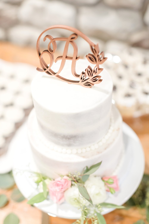 ADKINS WEDDING HIGHLIGHTS-39_The-Granary-wedding-Valley-Pike-Farm-Market-Virginia-wedding-photographer-anna-grace-photography-photo.jpg