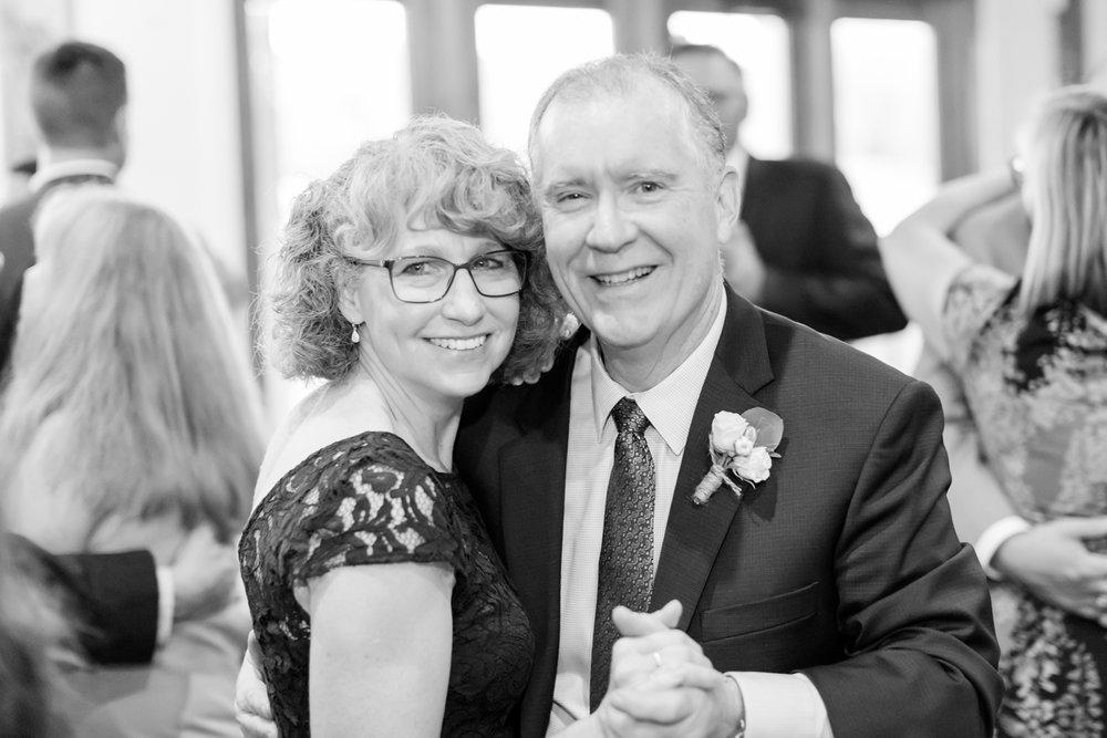 ADKINS WEDDING HIGHLIGHTS-324_The-Granary-wedding-Valley-Pike-Farm-Market-Virginia-wedding-photographer-anna-grace-photography-photo.jpg