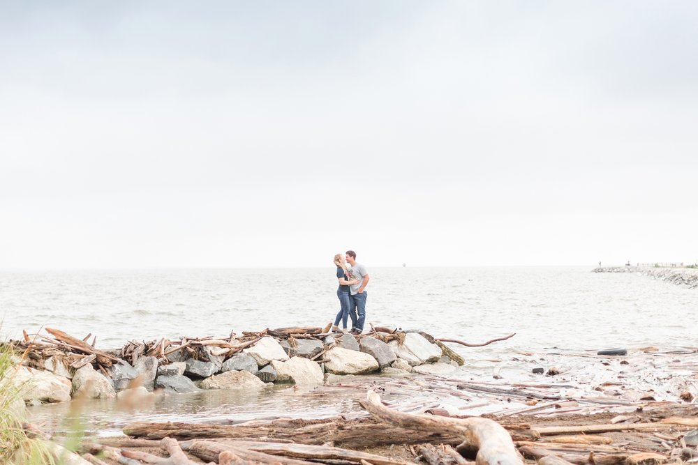 Kirsten & Dan Engagement-206_North-Point-State-Park-Engagement-Maryland-engagement-wedding-photographer-anna-grace-photography-photo.jpg