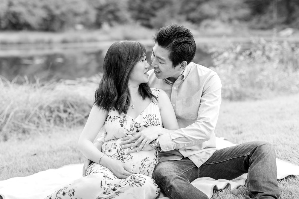 Elyse & Bryan Maternity-234_Meadowlark-Botanical-Gardens-maternity-Virginia-Maryland-maternity-photographer-anna-grace-photography-photo.jpg