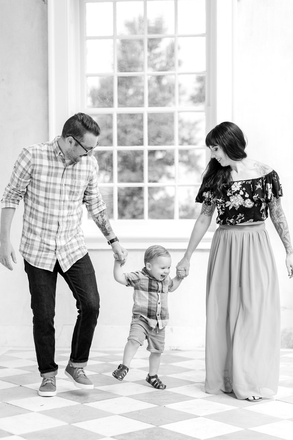 See more from the   Lindstrom family session at the Hampton Historical Site here  !