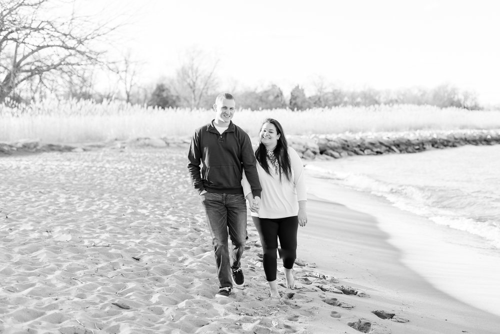 Hayley & Jacob Engagement-115_Maryland-engagement-photographer-sandy-point-state-park-engagement-anna-grace-photography-photo.jpg