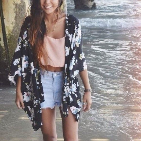 This kimono deeply resembles the one I donned today. The neutral floral print is versatile and can be worn with colors as well as neturals.