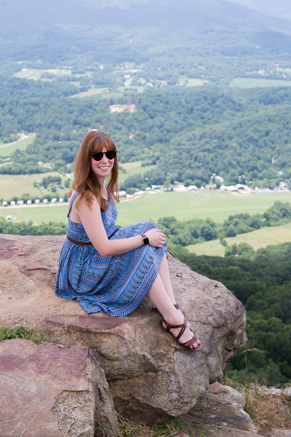 The perfect little blue summer sundress by Everly along with my favorite Fossil bag and Madewell belt. Enjoying the views at the Lookout Mountain Flight Park in Chattanooga, Tennessee.