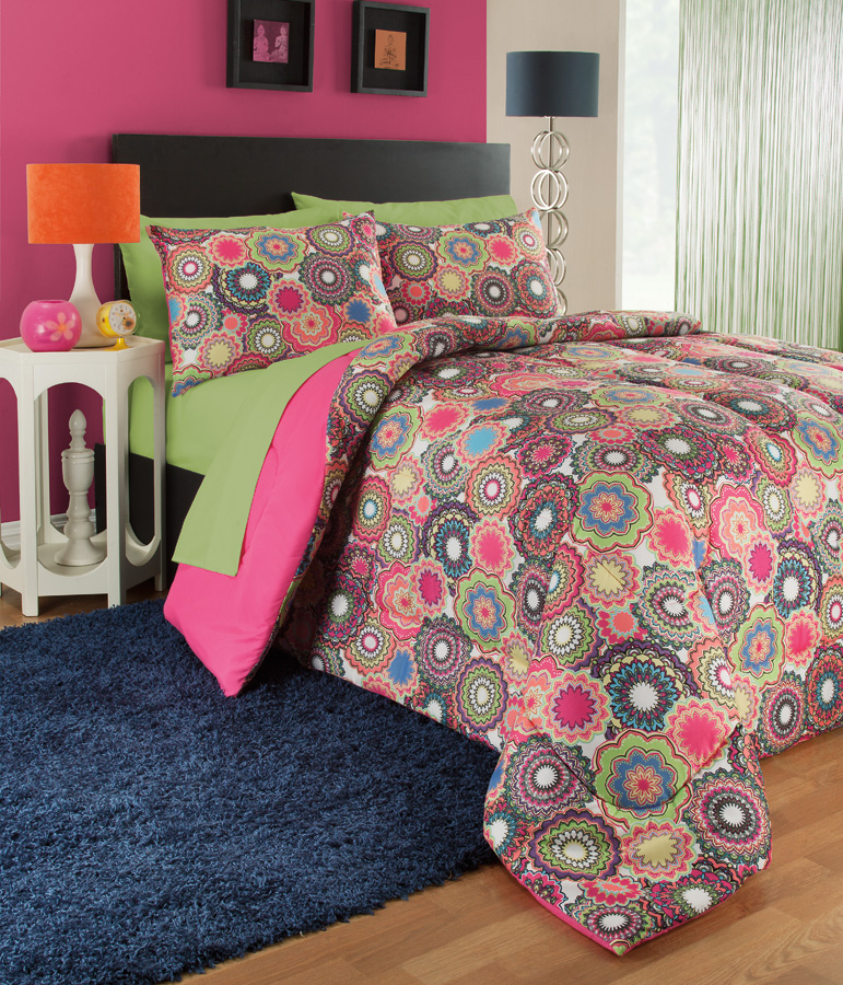 BD124905 COMFORTER SET-3-pc.-KALEIDESCOPE.jpg