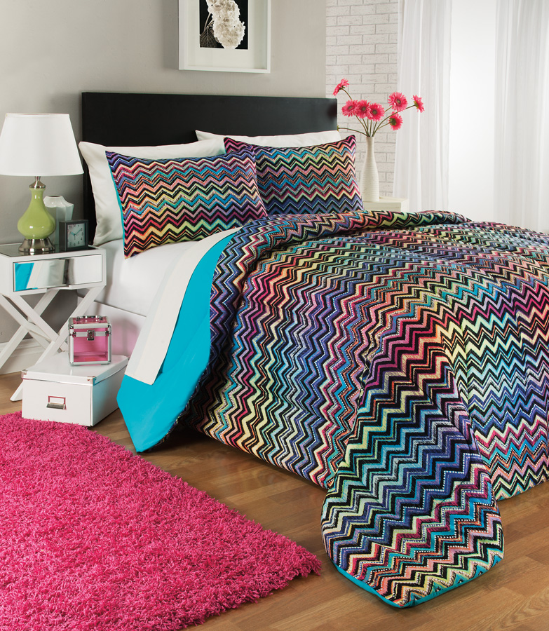 BD125344 COMFORTER SET-3-pc.-CHEVRON RAINBOW.jpg
