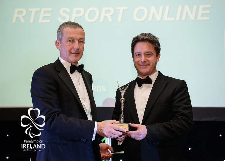 onathan Mullin, right, of RTÉ Sport Online, accepts the award for Best Paralympic Games Digital Coverage, from Cecil Ryan, OCS Europe, at the OCS Irish Paralympic Awards