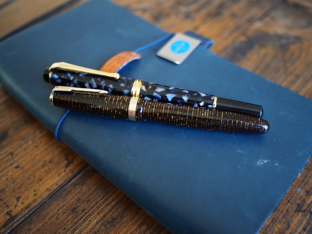Parker Vacumatic (L) & Kuratake Brush Pen (R)