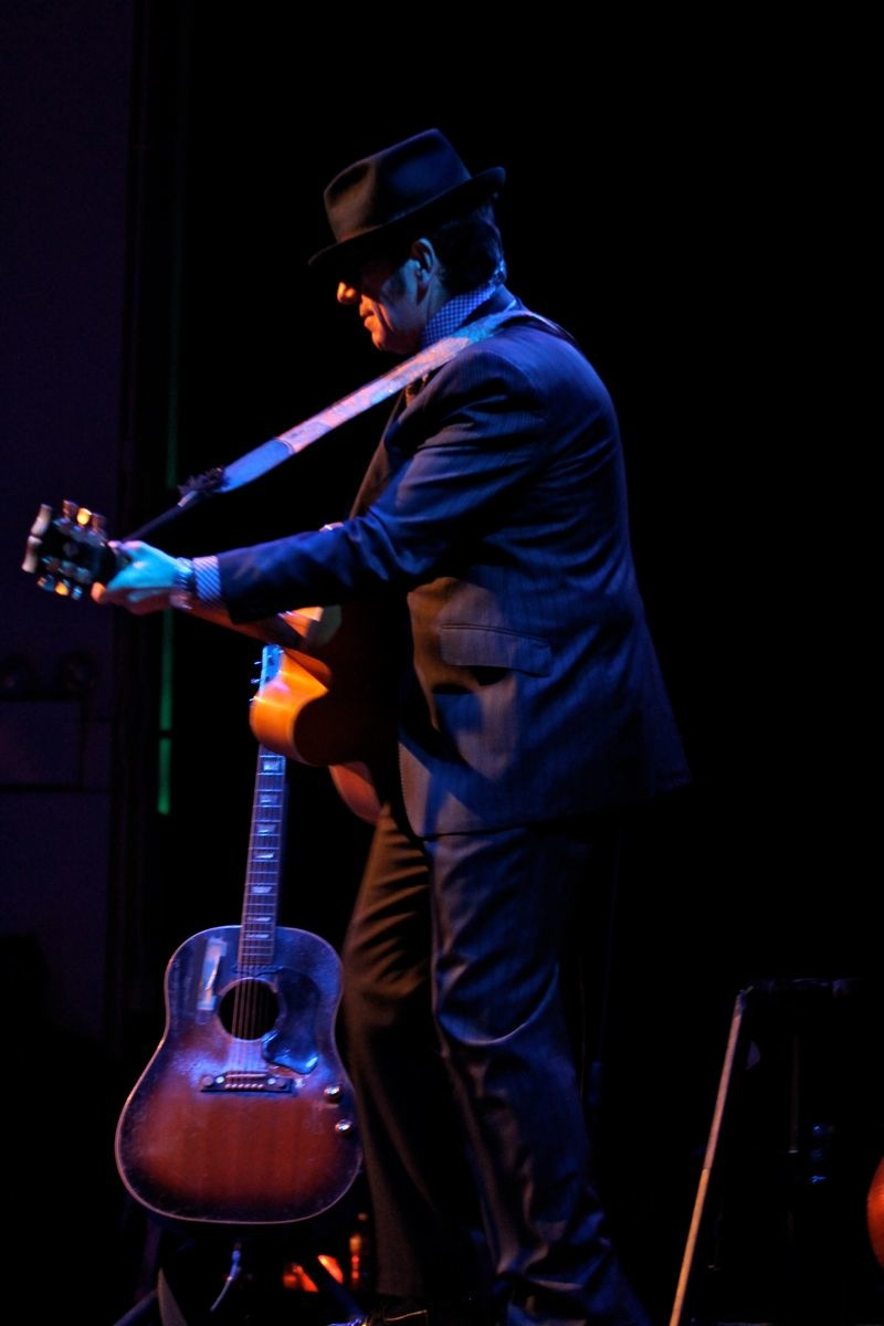 ELVIS COSTELLO SIR37_ - 22.jpg