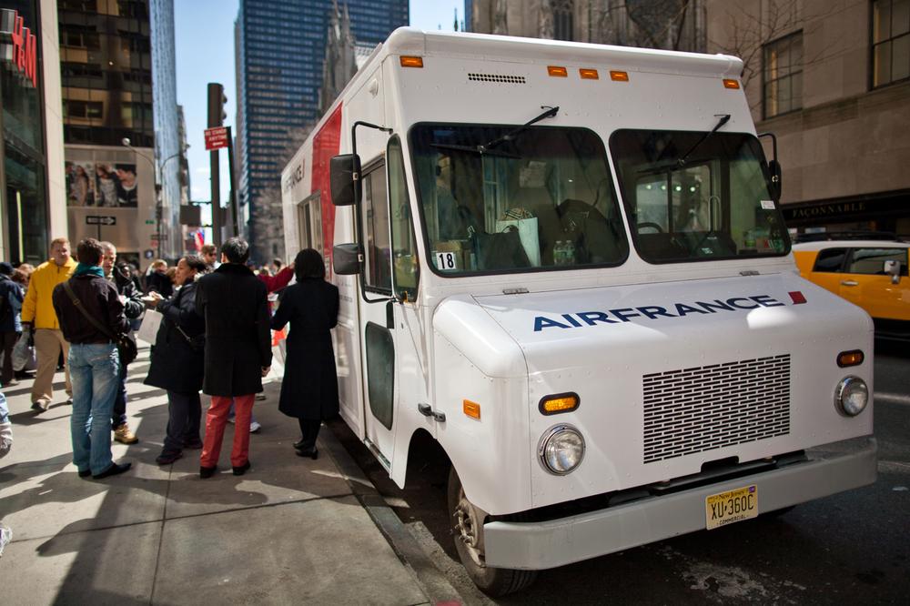 Air France Food Truck - 02.jpg