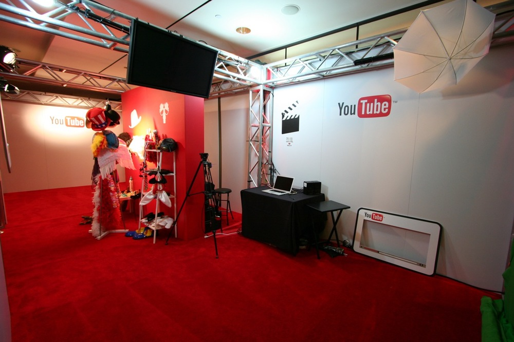 YouTube_VidCon'11_PLAY Room - 015.jpg