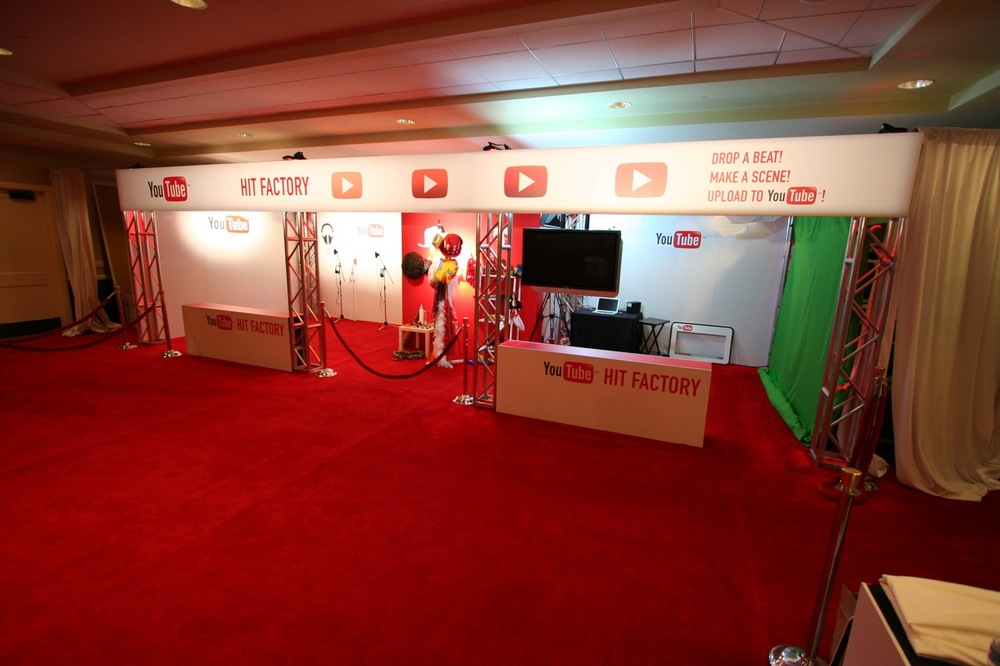 YouTube_VidCon'11_PLAY Room - 020.jpg