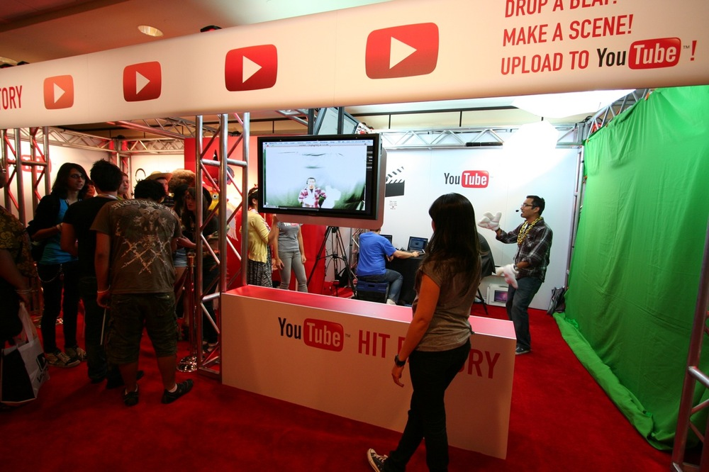 YouTube_VidCon'11_PLAY Room - 032.jpg