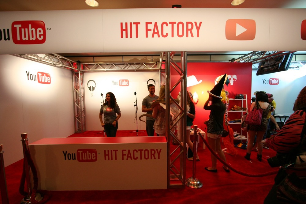 YouTube_VidCon'11_PLAY Room - 043.jpg