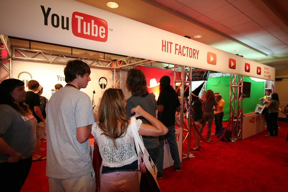 YouTube_VidCon'11_PLAY Room - 048.jpg