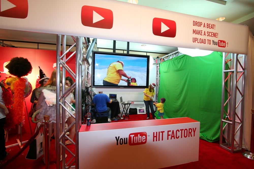 YouTube_VidCon'11_PLAY Room - 056.jpg