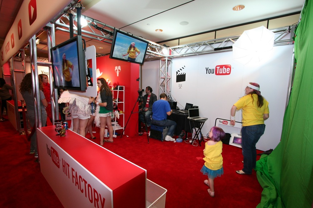 YouTube_VidCon'11_PLAY Room - 057.jpg