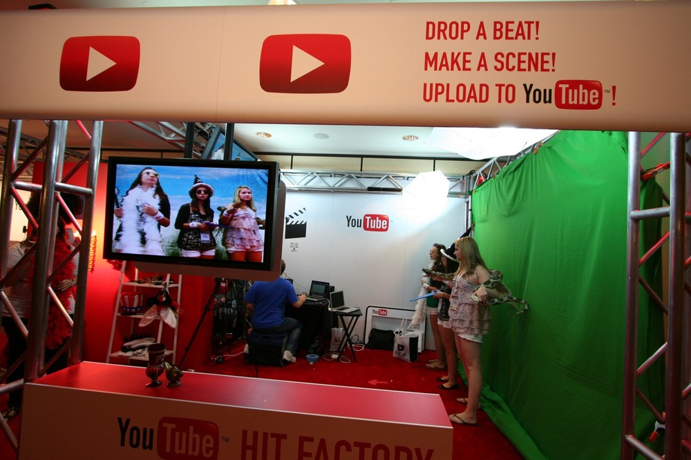 YouTube_VidCon'11_PLAY Room - 058.jpg