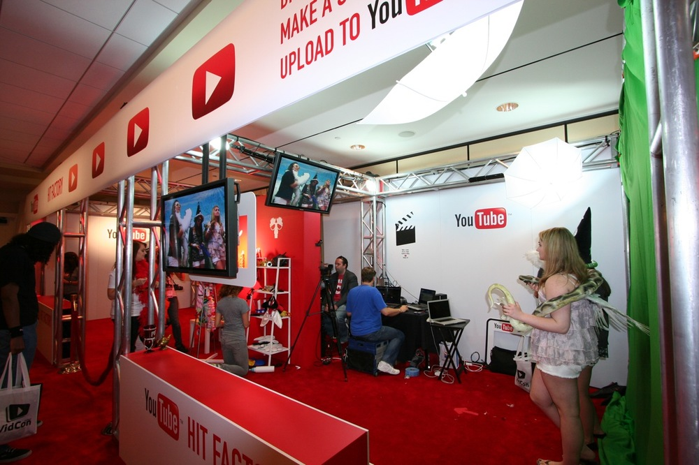 YouTube_VidCon'11_PLAY Room - 059.jpg
