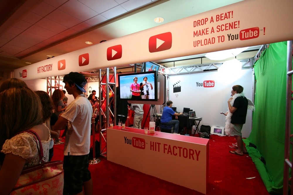 YouTube_VidCon'11_PLAY Room - 093.jpg