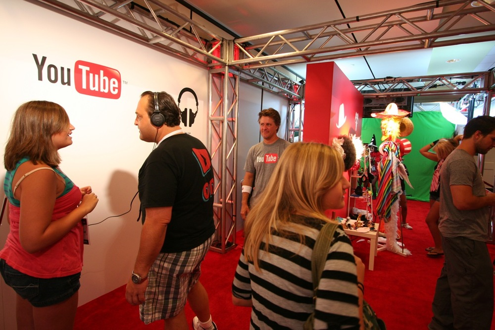 YouTube_VidCon'11_PLAY Room - 127.jpg