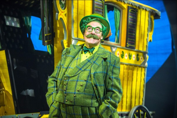 Catch me if you can - Rufus Hound as Toad