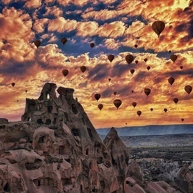 Take a hot air balloon ride in Cappadocia, Turkey. #bucketlist #cappadocia #turkey #ctg #traveltoturkey #hotairballoon #bestview #ctgroups #vacation #romatic #sunset #christiantravelgroups #liveinthemoment #livelovetravel #adventure