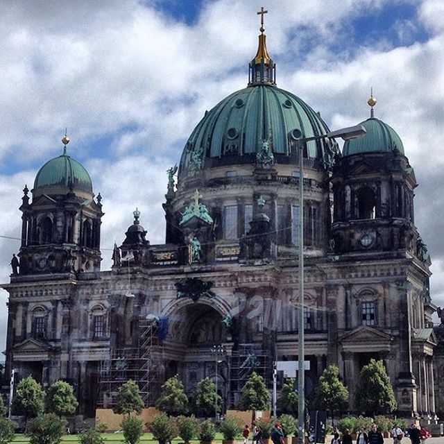 Saying hello from the Berlin Cathedral! #instamood #ctg #instagood #photography #ctgroups # #berlin #catholic #memories #christiantravelgroups #facinating #architecture #travelgram #history