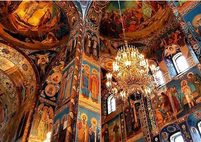 For the love of Art & Religion #cathedrals #russia #ceiling #ctgroups #travelgram #artist #puretalent #christiantravelgroups #paint #stpetersburg #greatchandelier #photooftheday #fortheloveofart #fortheloveofgod #ctg #breathtaking #churchtrip