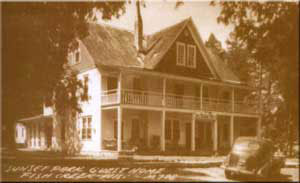The White Gull Inn as it looked in the 1940's. At that time it was known as Sunset Park Guest Home.