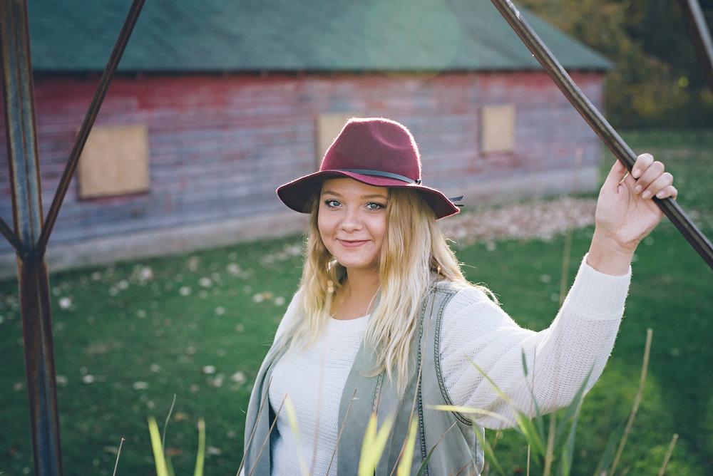Sierra Roswell Senior-10FD.jpg