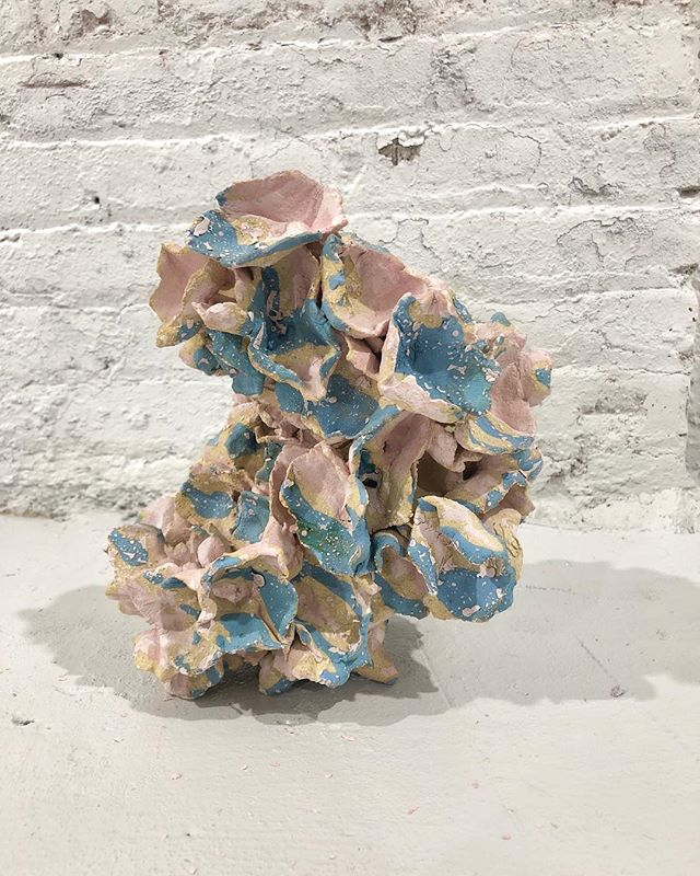 Come see the work of over 60 😮 #SSNYC artists @sculpturespacenyc in #licqueens TOMORROW (Friday)! 🕰 6-9:30 🌃 47-21 35th St, Long Island City, Queens. Take the 7 🚊 to 33rd!  #notmadeinbrooklyn #queens #ceramicart #ceramicsculpture #sculpture #nyc #sculpturespacenyc #nycart