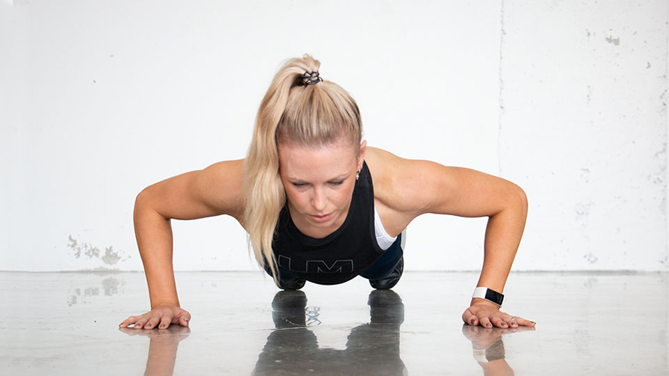 Push-Up technique-960x540.jpg