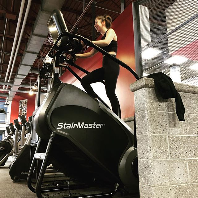 This brand new beast is ready for action! We welcome the gauntlet 2 stairmaster to our line up! Get on this thing for a gaurenterd sweat session!!! #fitnessconceptshealthclub #fitness #fitnessconcepts #fitcon #stairmaster #legday #functionaltraining