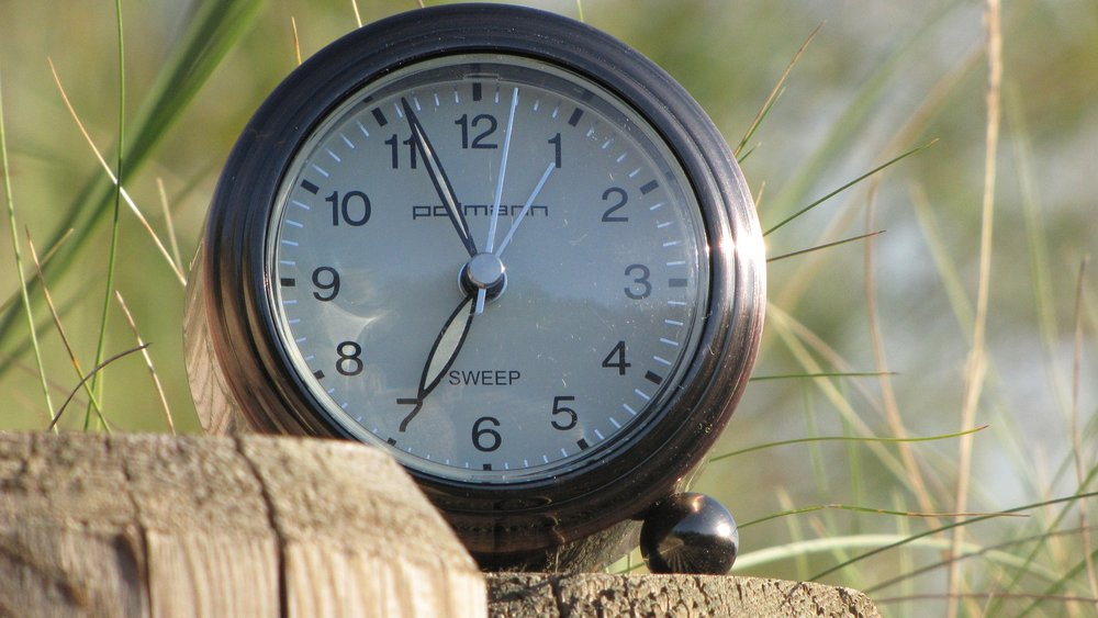 clock-3045549_1920.jpg