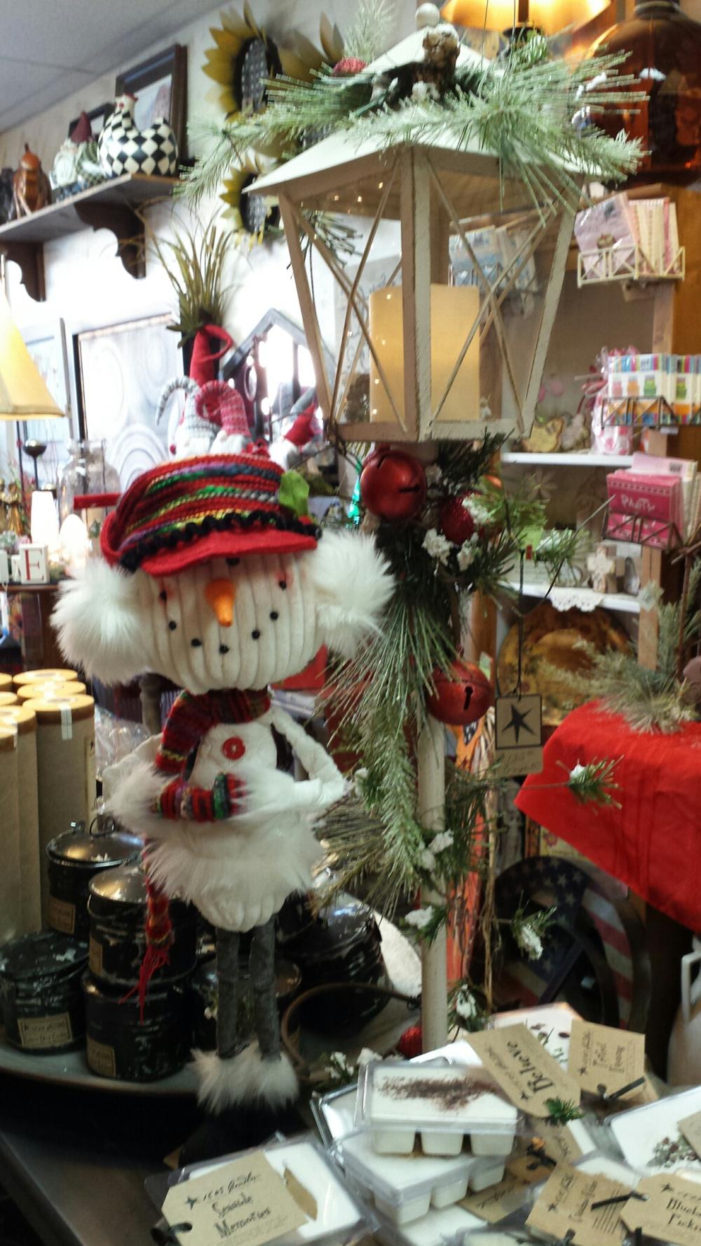 Snowmen and Christmas lanterns
