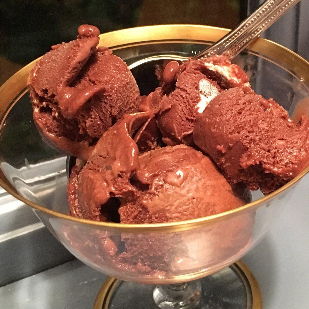 FROZEN HOT COCOA & MARSHMALLOW ICE CREAM