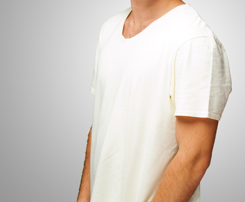 tshirt-atelierkartal-schneiderei-meinschneider-reparaturen-aenderung-kuerzen-schlitz-enger-taillieren-kragen-textil-leder-aenderungsatelier