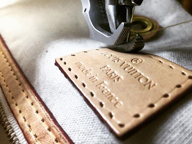 label. #bag #service #atelierkartal _ #louisvuittonbag #lvbag #lv #tasche #bags #atelier #schneiderei #tailoring #luxury #leder #textil #schweiz #handbag #baglovers #fashion #swissblogger #leather #leatherbag #women #sewing #nähen