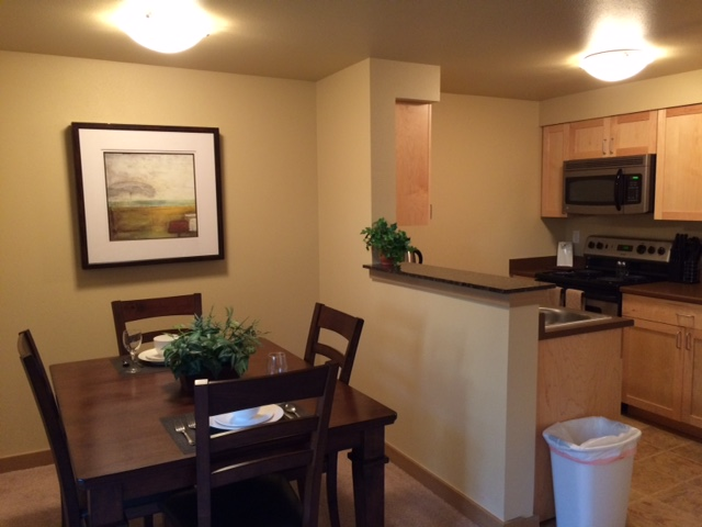 k302 dining kitchen area.JPG