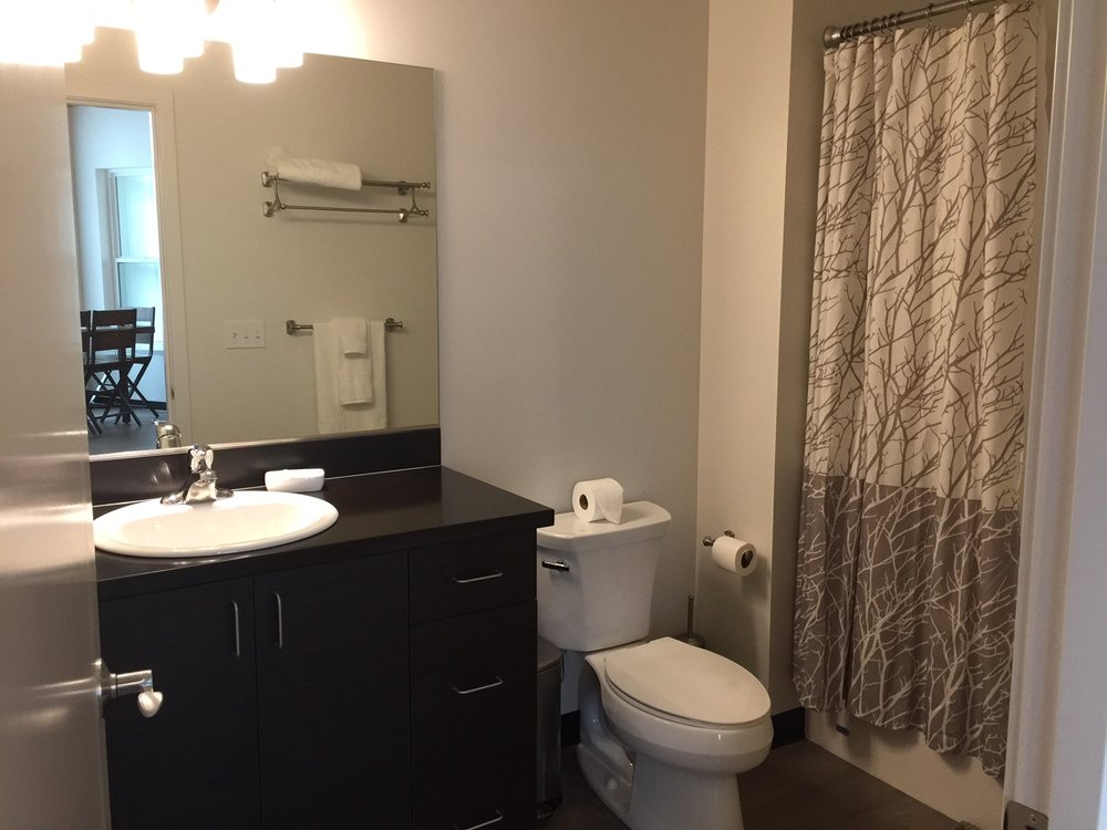 chung 1 bathroom.JPG