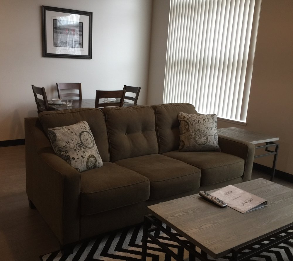 chung 3 livingroom.JPG