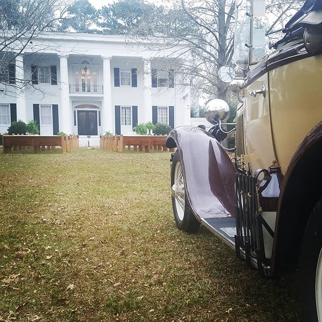 Great Day for a Gatsby Wedding! #hameshall #shugthepaintedchef #shuglife #flowergirl #1930fordmodela #southernwedding #gata #lowcountrywedding #