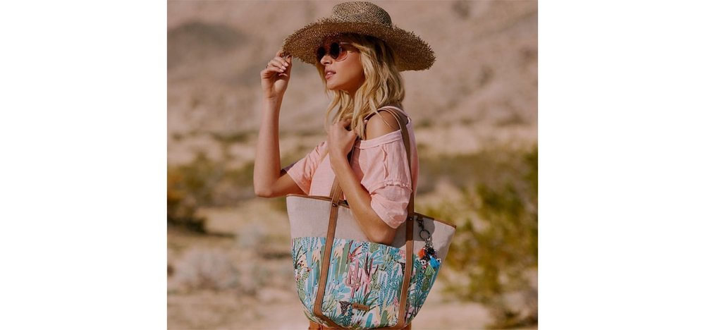 Sakroots Topanga Tote https://www.thesak.com/collections/sakroots-mojave-mirage?utm_source=JaneNewland&utm_medium=EXCLUSIVE&utm_content=MojaveMirage20Off